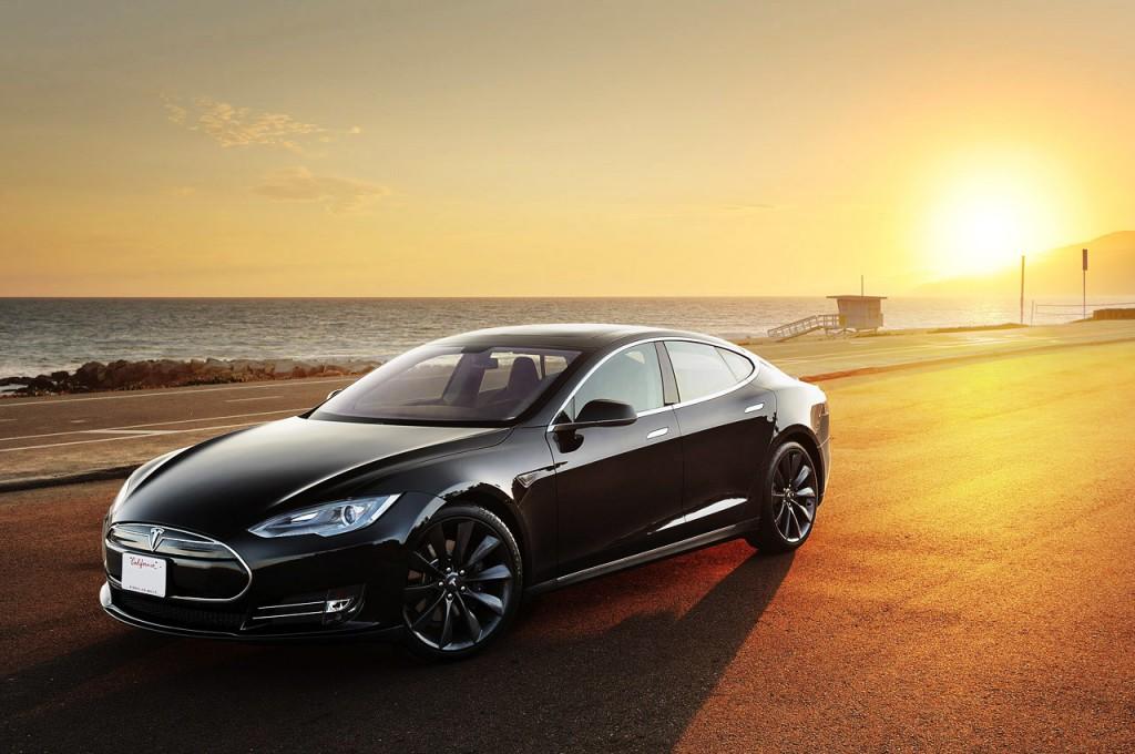 дорогой одноразовый автомобиль Tesla